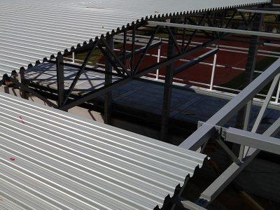 Крепление профнастила к бетону и стали
